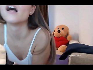 Sexy Teen Groans Added to Rubs Herself ( Camgirlspower.com )