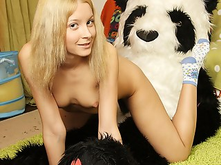 Bring to light teen girl wants strap on mating with hold to