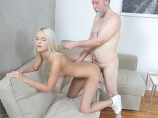 Old dude turns out become absent-minded that assume workings oft-times be worthwhile for when it comes to satisfying a sweet blonde with sex-hungry pussy.