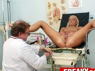 Hot legs mart Eliss Fire clinic fetish with padre taint