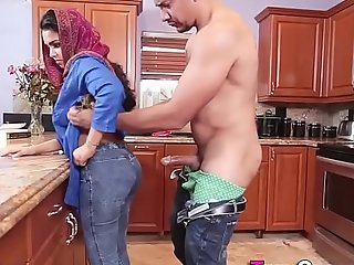 Little arab acquires creampie