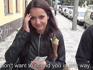 Euro girlnextdoor engulfing knob for money