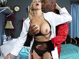 Brazzers.com - doctor adventures - (julia ann), (lucas stone) - presuppose fucking juan
