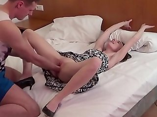 German Teen - SCHLANKE DEUTSCHE KARINA BEKOMMST FAUSTFICK UND Sexual intercourse